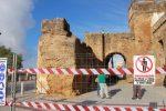 MANOS A LA OBRA EN EL ARCO SAN MIGUEL – Alcalá de Guadaira