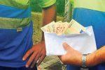 Tiran 240.000 € en dos puntos limpios abandonados de Alcalá de Guadaíra