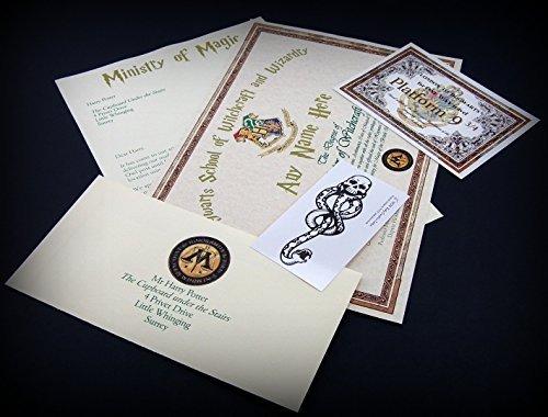 Si eres un seguidor de Harry Potter, en Amazon se puede comprar un Kit que incluye un título en Magia por Hogwarts.